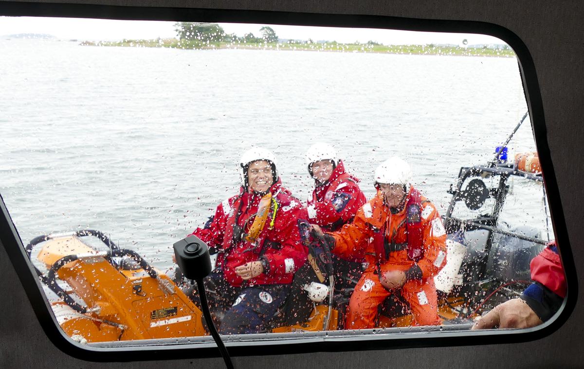 Meripelastajat ovat apuna kaikessa mitä merellä sattuu ja tapahtuu.