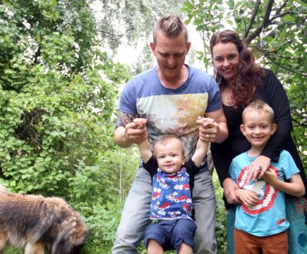 Perheen elämää pikkukylässä