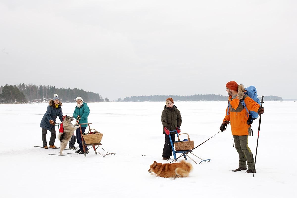 Talvisella retkellä jäällä